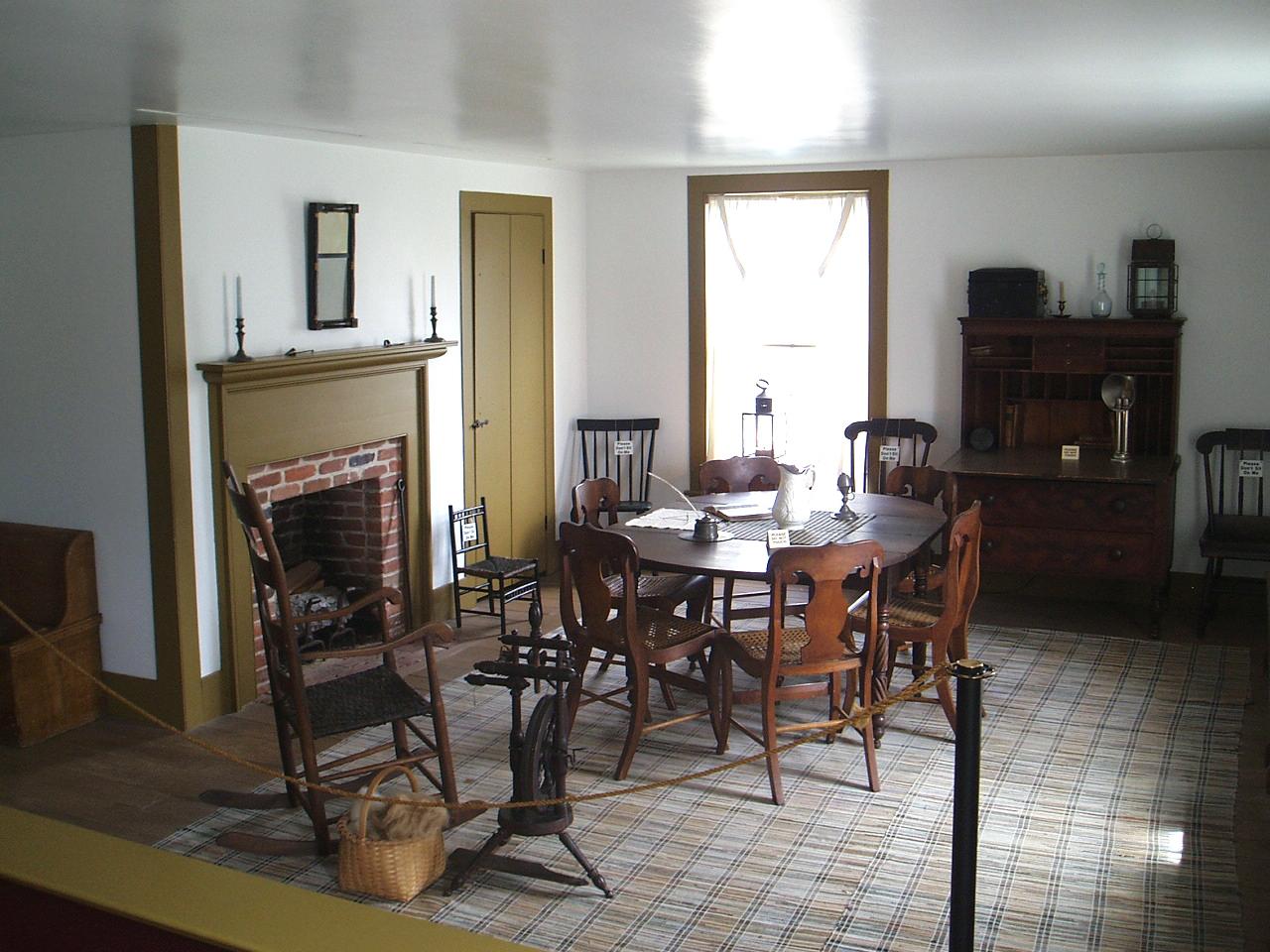 Ein Zimmer im oberen Stockwerk von Newel K. (und Elizabeth) Whitneys Geschäft. Hier bekam Joseph Smith 17 Offenbarungen.